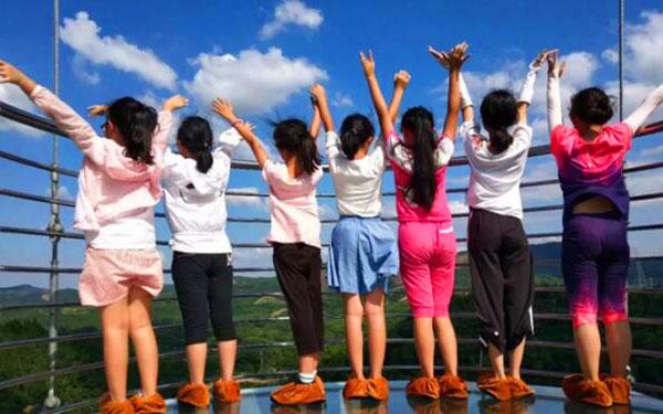 家長為青少年選擇夏令營應該保持怎樣的正確心理?