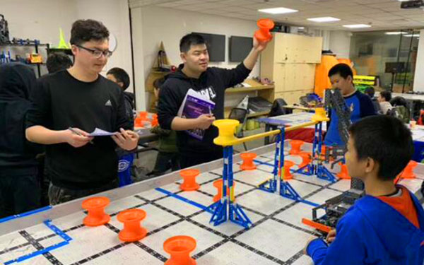 暑期適合青少年參加的機器人夏令營有哪些?