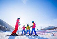 梅沙户外松花湖营地介绍篇 | 我们在滑雪场给孩子们建了一栋专属营地!