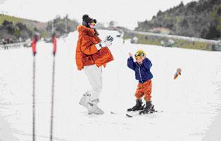 「浙江户外」2021安吉滑雪体验冬令营,沉浸式滑雪练习,对滑雪初级者友好(5天)
