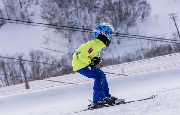 「吉林户外」2021/2022松花湖滑雪冬令营7-12岁单飞(6天)顶级滑雪体验