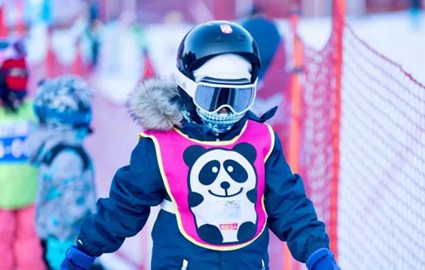 「吉林户外」2021/2022松花湖滑雪冬令营4-7岁亲子(6天)满足不同家庭的滑雪需求