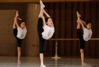 参加舞蹈夏令营对孩子的作用大不大?让孩子炫舞一夏
