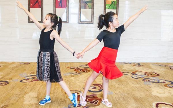 參加舞蹈夏令營的好處以及注意事項!