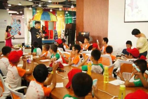 孩子参加易创客科技夏令营要带什么?