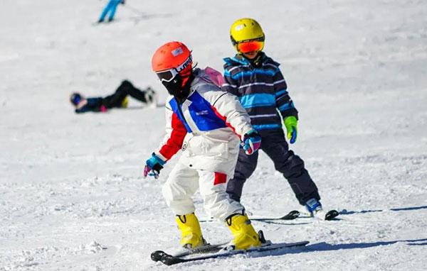 「北京户外」2022北京石京龙滑雪冬令营(5天)满足不同滑雪水平