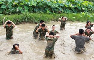 「武汉军事」2020自强军训体验夏令营(5天)
