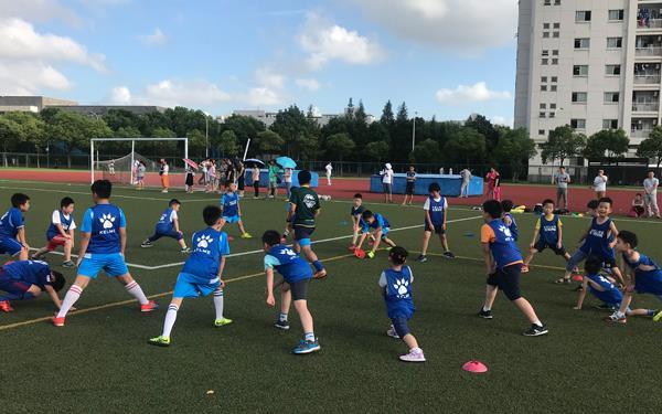 參加足球夏令營的好處以及注意事項!